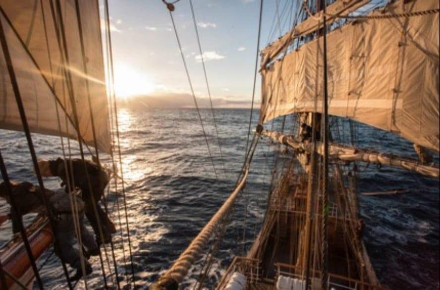 Sail across the Atlantic_VEN89_9