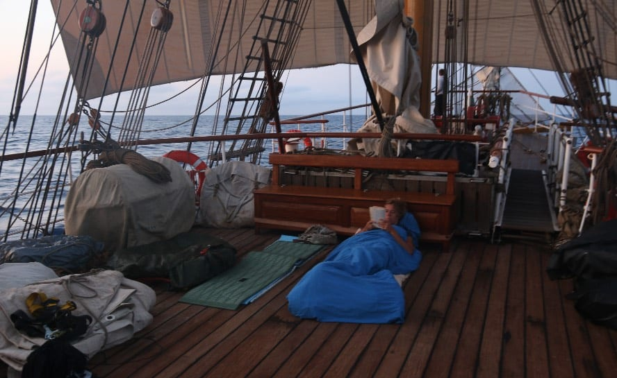 Sail across the Atlantic_VEN89_sleeping on deck