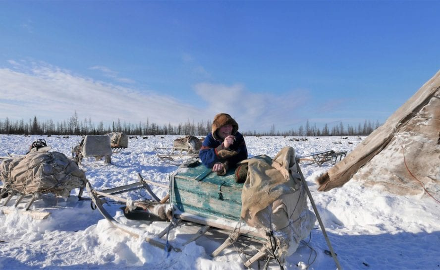 Siberia-Arctic-Expedition_Man-with-Sledge
