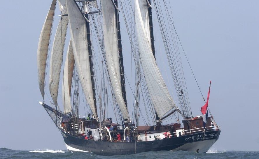 Tall Ship Sailing _sailing bermuda to azores-19-VEN90