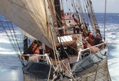 Tall ship sailing _5_VEN90