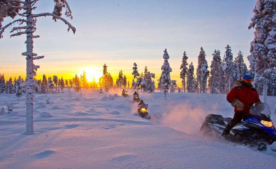 Northern Lights Winter Experiences Sweden Adventure Holiday (2)