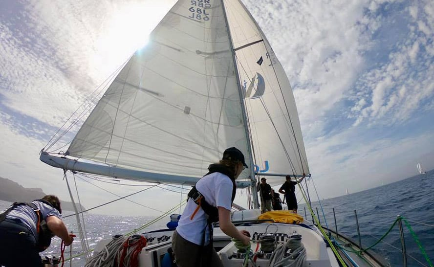 Downwind sailing_Introduction to offshore sailing