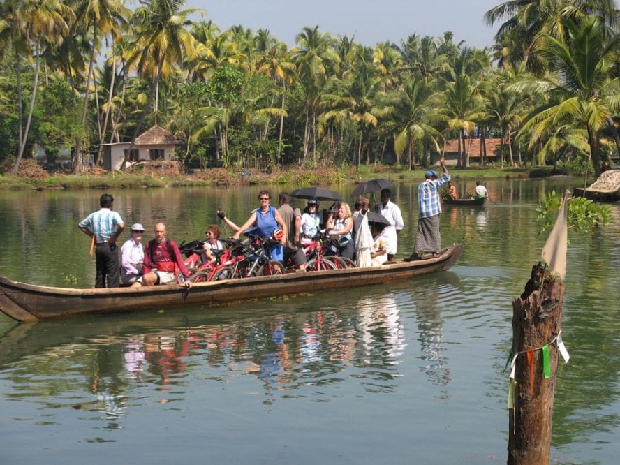 Cycle-Kerala-Tropical-India-Premium-another-world-adventures-image-4