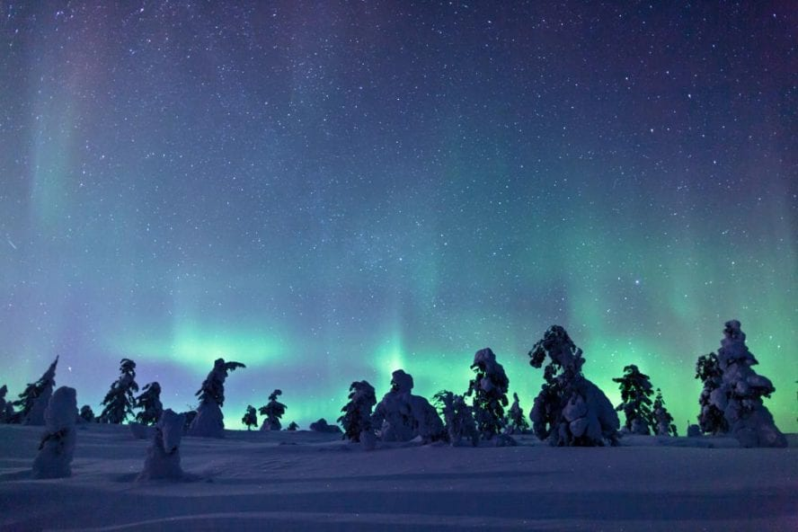 Finland-Northern-Lights-another-world-adventures-image-1