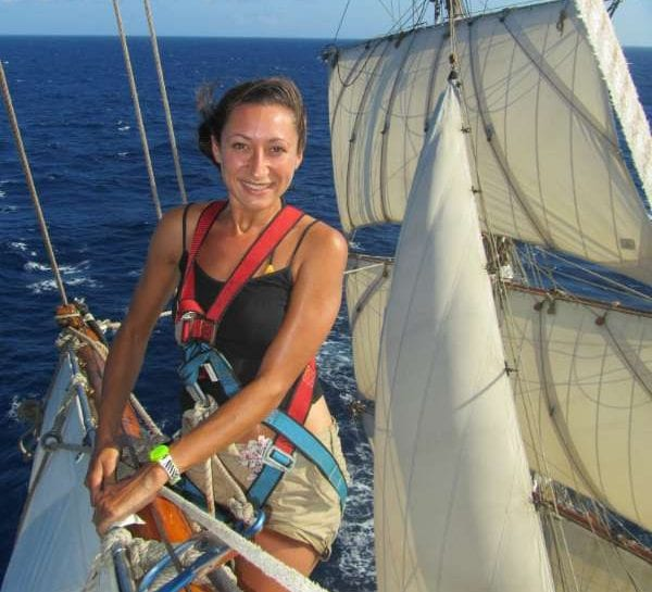 Larissa-Clark-sailing-across-the-Atlantic-Ocean
